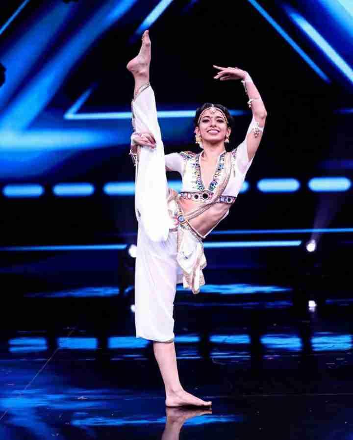 Bhawna Khanduja Acrobatics dance style