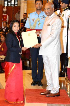 Mirabai Chanu awarded Rajiv Gandhi Khel Ratna Award from President of India