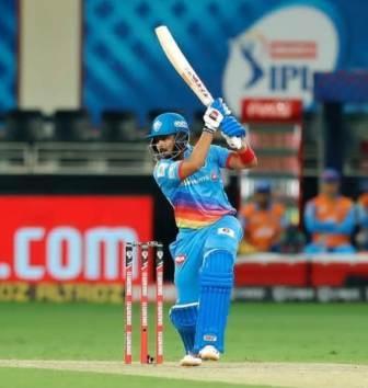 Prithvi Shaw right handed bat