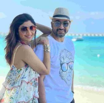 Raj Kundra with her wife shilpa shetty in Bahamas