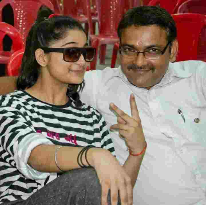 Vartika Jha with his father Arvind Kumar Jha