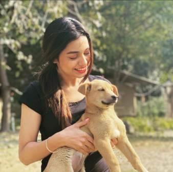 Divya Agarwal with her pet dog Doddie