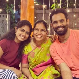 Hanuma Vihari family