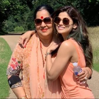 Shamita Shetty with her mother Sunanda Shetty