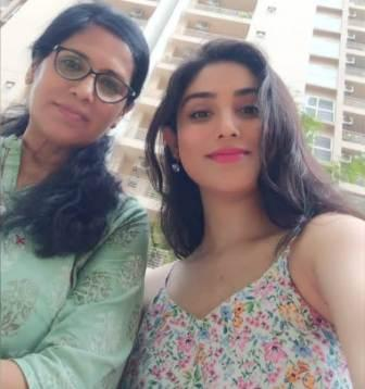 Donal Bisht with her mother Jasumati Bisht