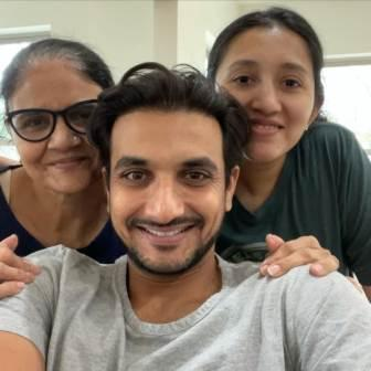 Harshal Patel with his family