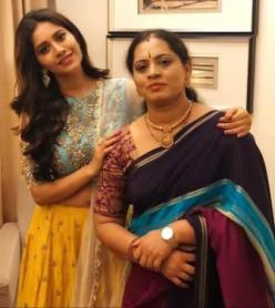 Malti Chahar with her mother Pushpa CHahar