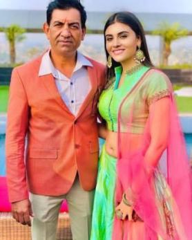 Malti Chahar with his father Lokesh Chandra Chahar