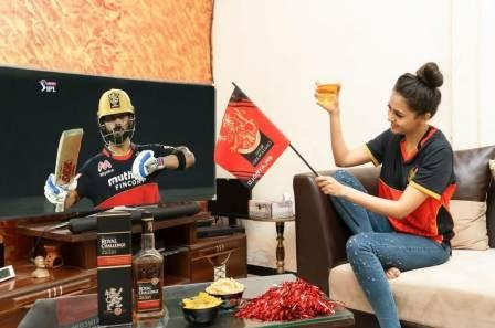 Tejasswi Prakash drink alcohol and cheer for RCB